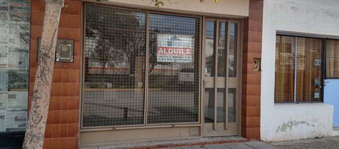Local en alquiler, Rivadavia 883, Rawson